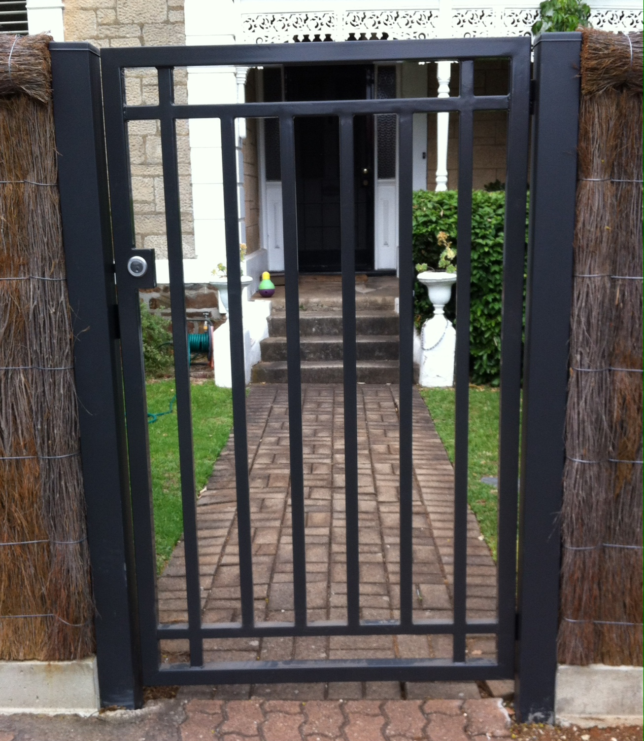 1612 Single Gate in Steel Tube Powder Coated - Get Single Gate Small Gate Design For House Pictures